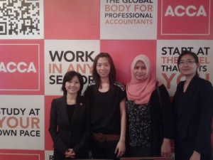 Kolej Sinar with ACCA Student Support Executive Joanne Goh