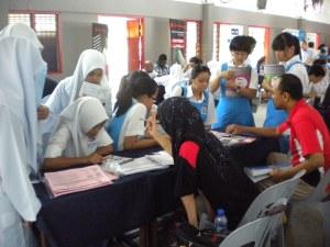 Students of Sekolah Menengah Kebangsaan St David