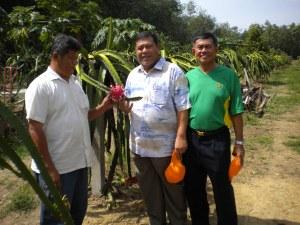 With YB Datuk Wira Abd Ghafar Atan (ADUN Asahan)