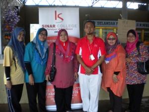With Committee of Persatuan Guru Kaunseling Daerah Alor Gajah