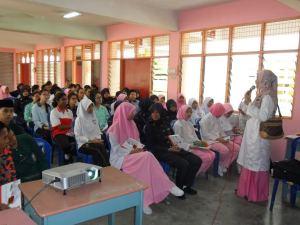 Talk at SMK Kamarul Bahrin, Labis