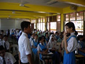 Students of SMK Tun Mutahir Batu Berendam were performing a role playing game during Kursus Kepimpinan Kelab dan Persatuan