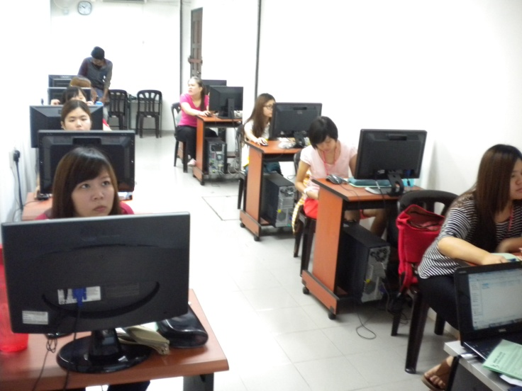CAT Students were registering for ACCA at Sinar College Melaka